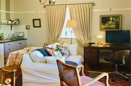 Best Claremont self-catering accommodation - Claremont Rose offers spacious, sparklingly clean Claremont accommodation of high standard